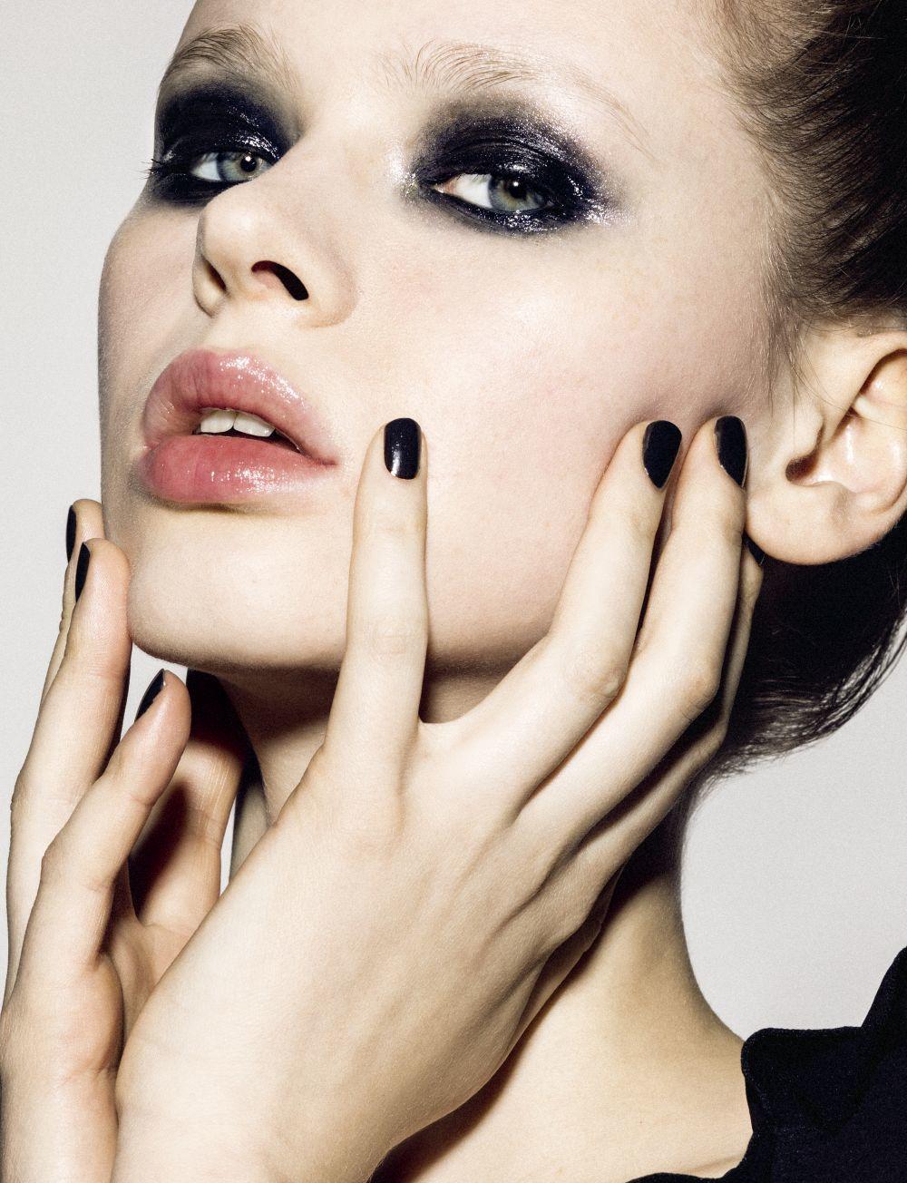 La manicura permanente garantiza unas uñas perfectas y sin...