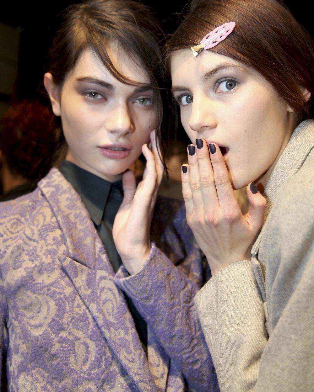Esmaltar bien los bordes de tus uñas es fundamental para que no se...