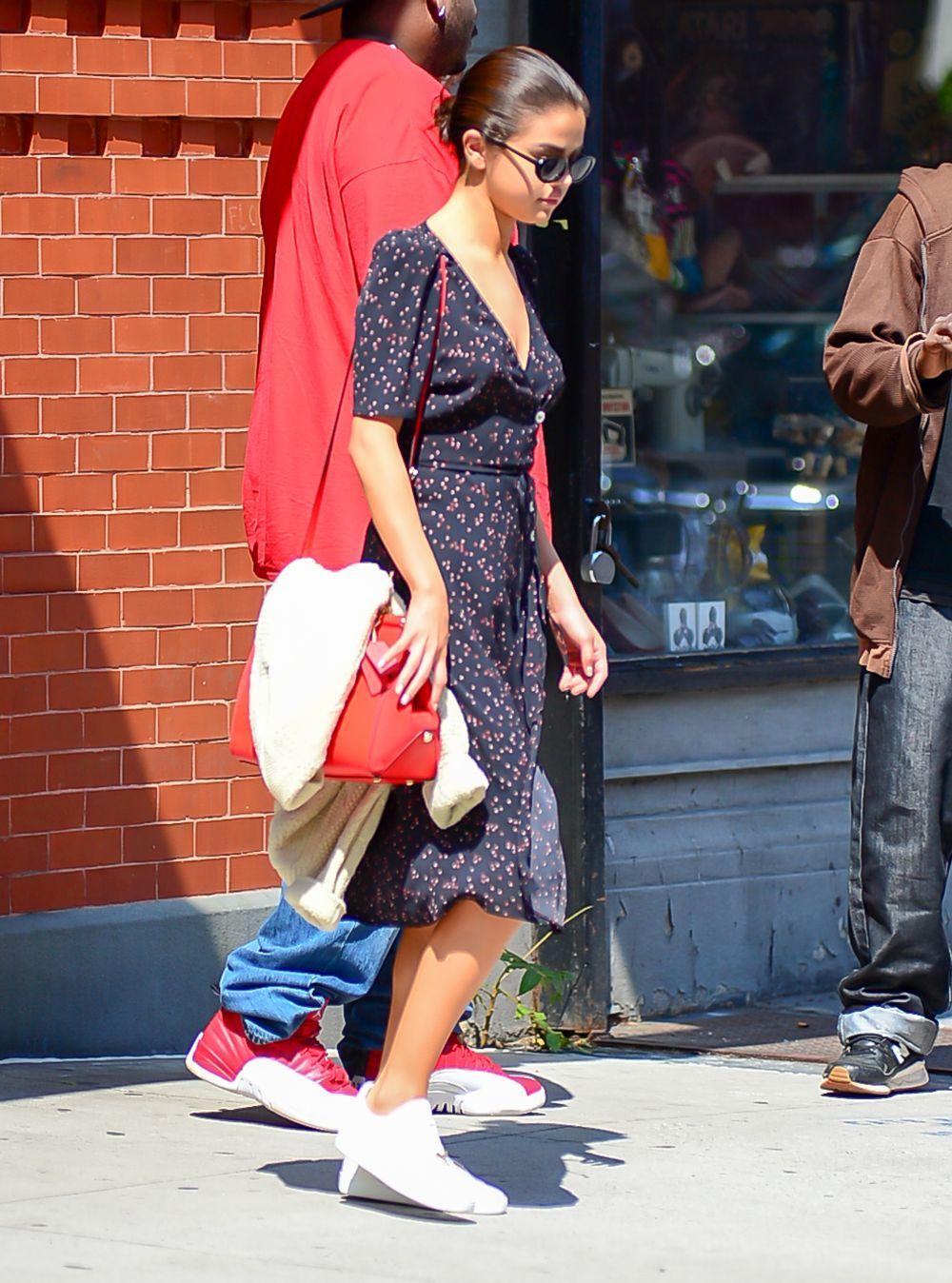 Selena Gómez protagoniza el look del día.