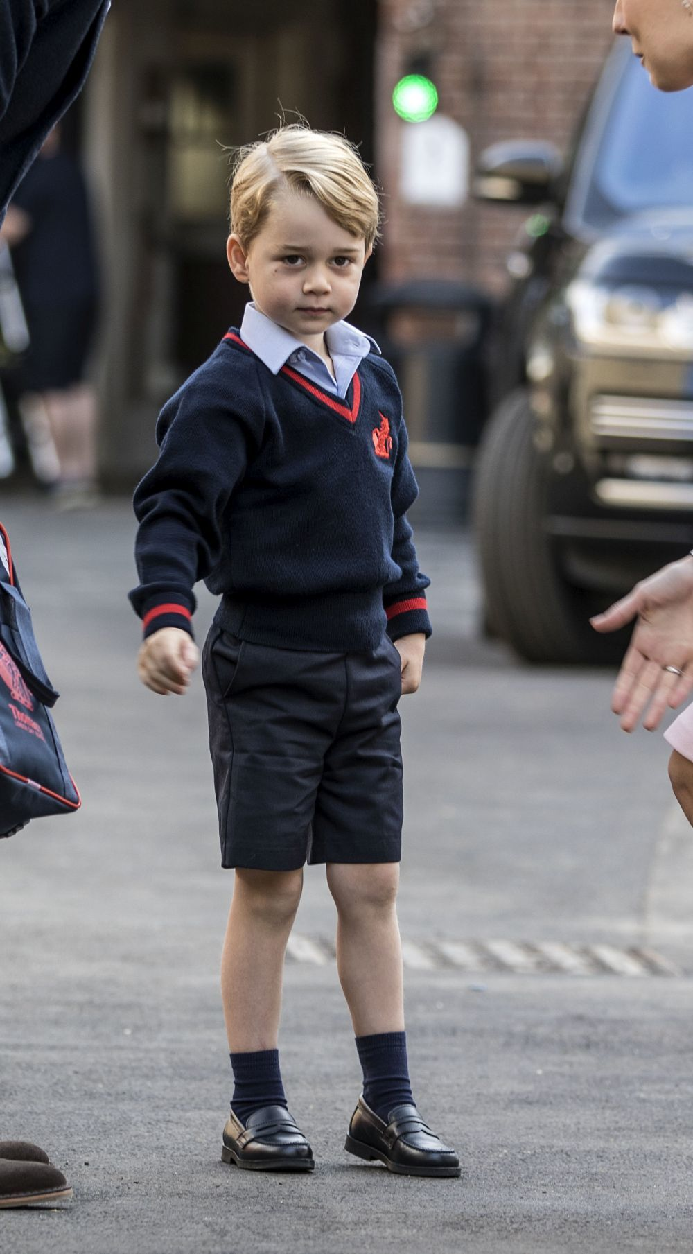 El príncipe George en su primer día de escuela.