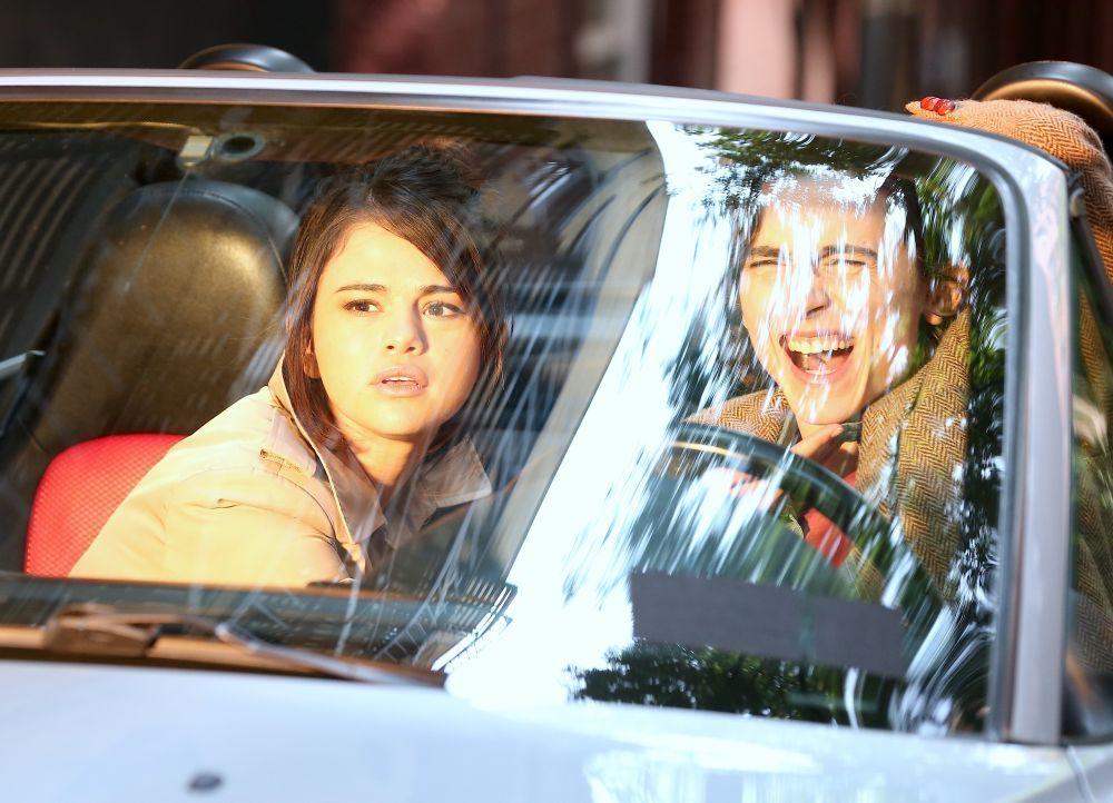 Selena Gómez comparte set con su compañero Timothe Chalamet,