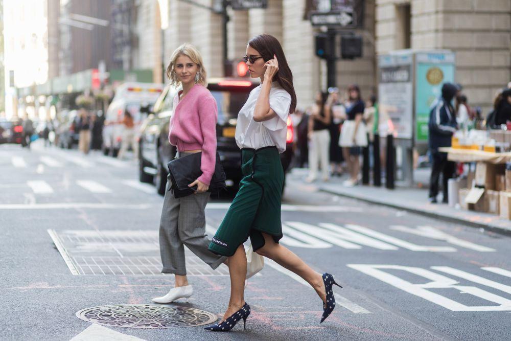 Cómo llevar una falda neopreno por Evangelie Smyrniotaki