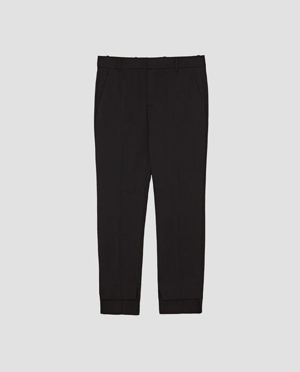 Pantalón de pinzas, Zara (29,95 euros).