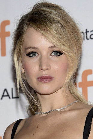 Cat eye o el eyeliner gatuno de Jennifer Lawrence