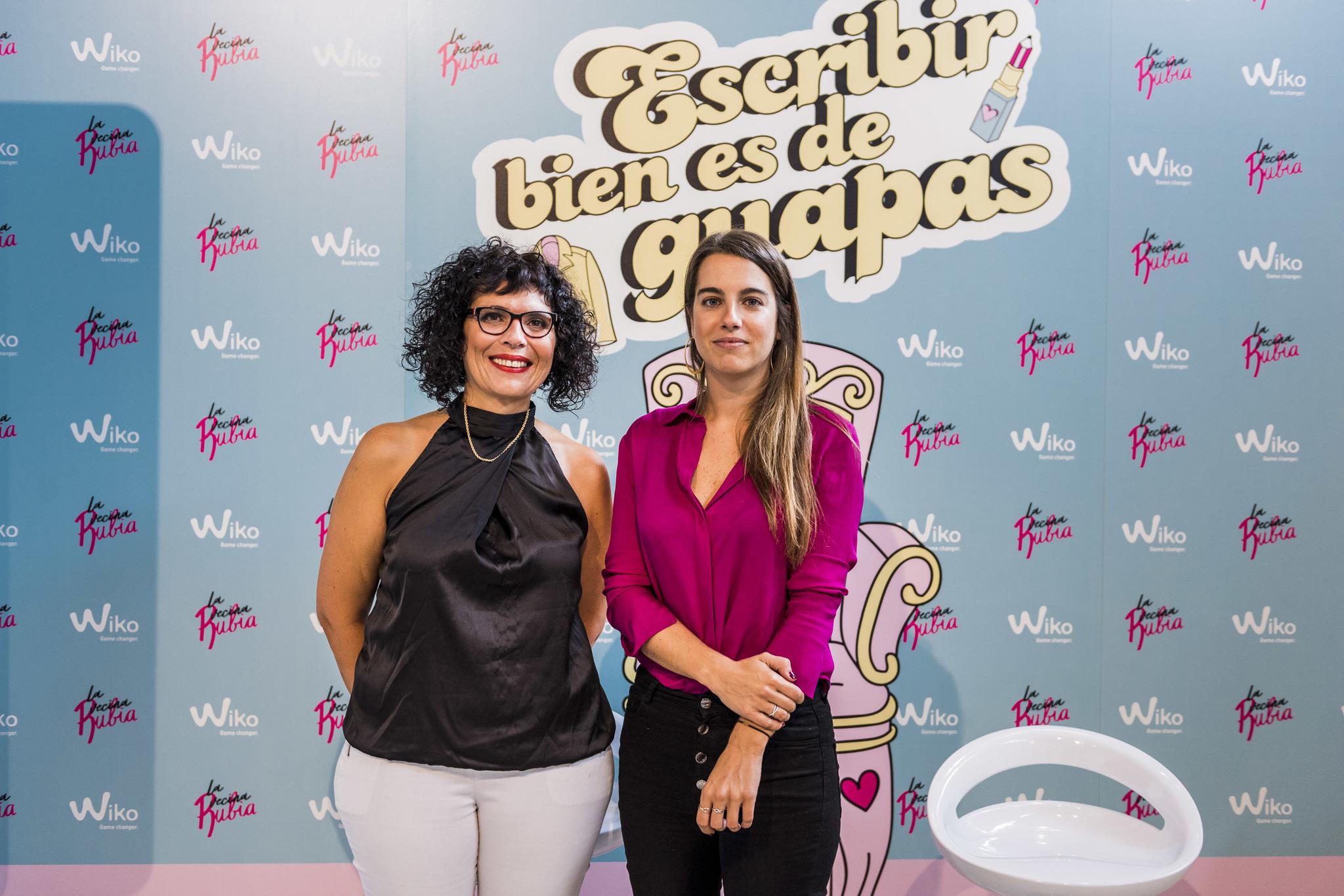 Irene Monterola junto a Silvia Gumiel Molina, Vicedecana de Programas...