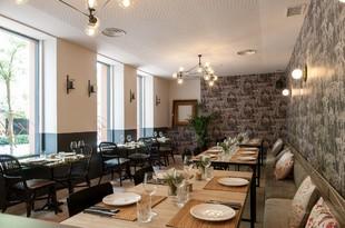 En este espacio saborearás una cocina clásica con toques actuales y...