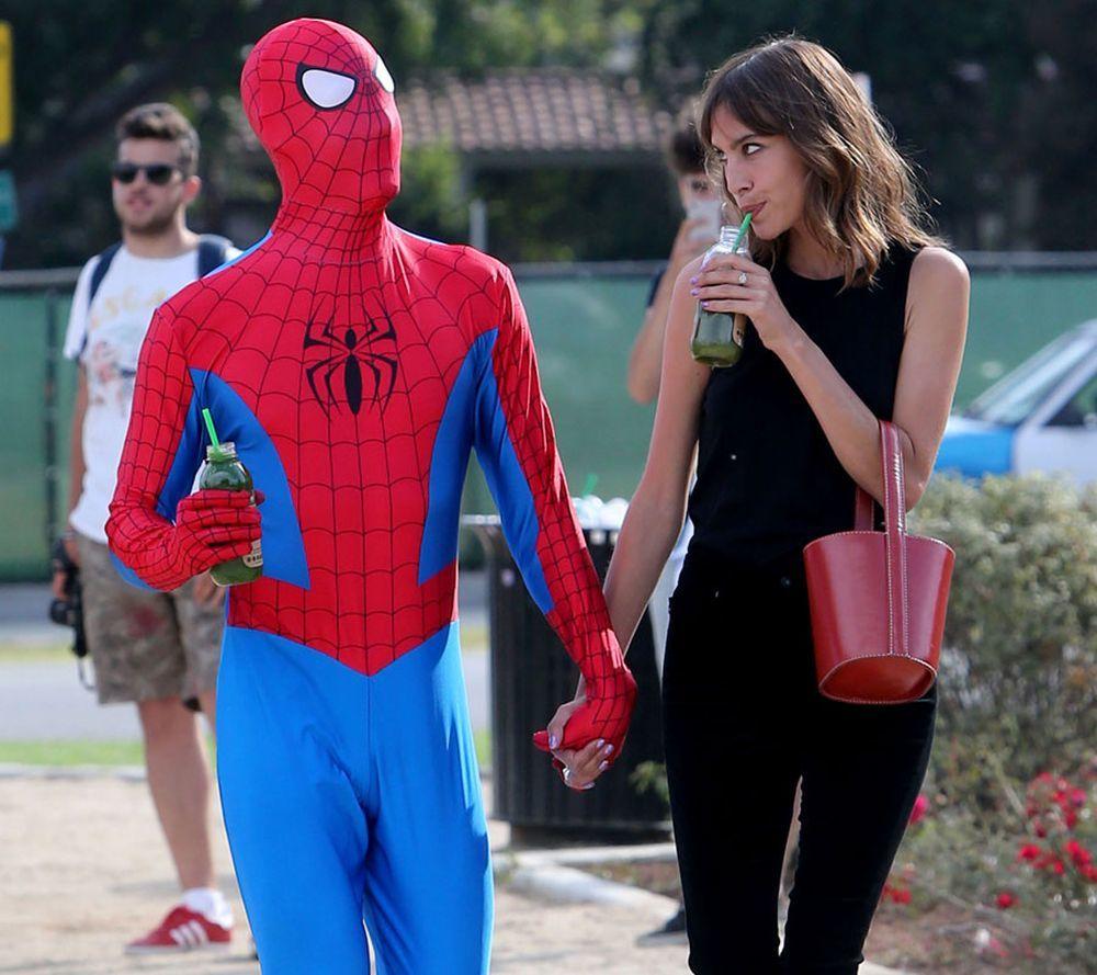 Alexa Chung y Spiderman