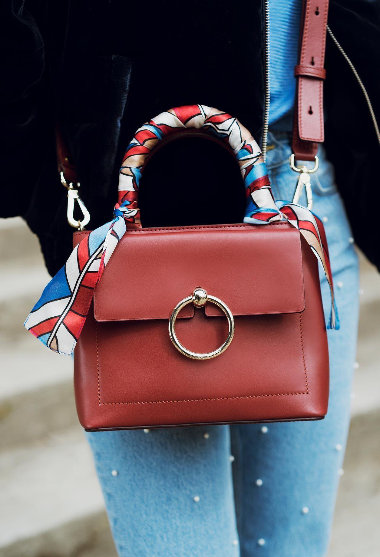 Es el bolso todoterreno. Lo nuevo de Claudie Pierlot es el bolso...