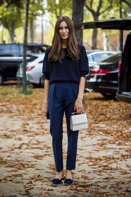 Look de street style de la Semana de la moda de París.