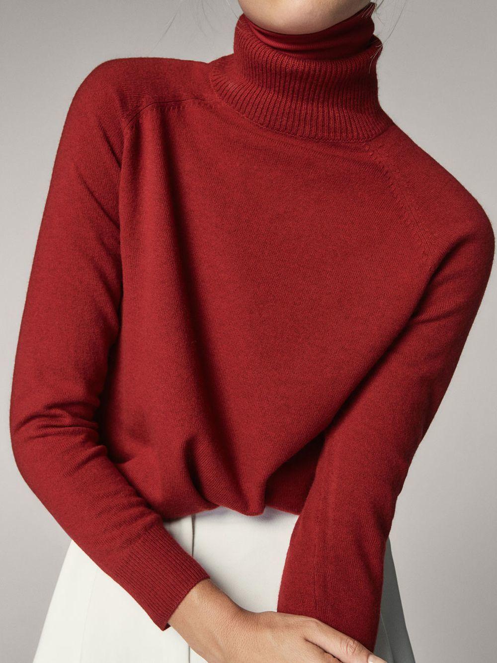 Jersey cuello alto de Massimo Dutti (50 euros)