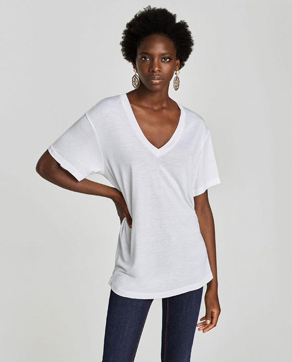 Camiseta blanca de Zara (12,95 euros)