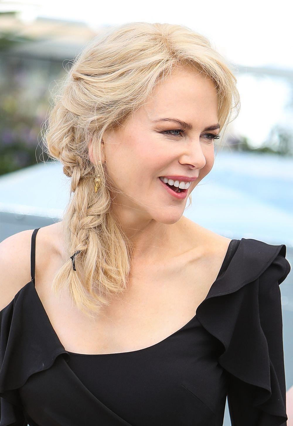 Nicole Kidman acierta seguro con esta trenza lateral con efecto undone...