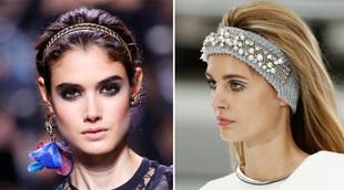 Propuestas de Elie Saab y Chanel con bandanas y diademas metalizadas,...