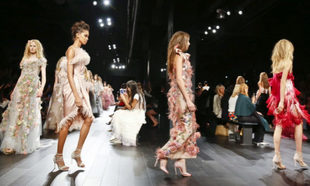 El desfile de Marchesa en Nueva York Fashion Week 2017.