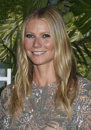 Gwyneth Paltrow: rojeces + corrector demasiado claro