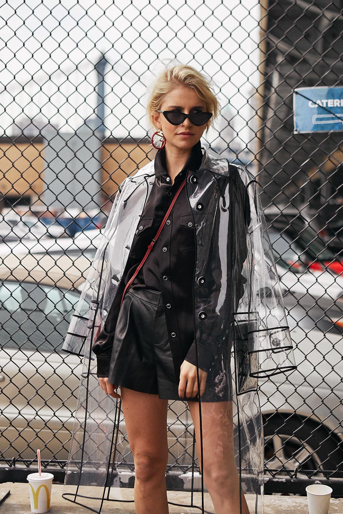 La it girl Caroline Daur durante la semana de la moda de Nueva York.