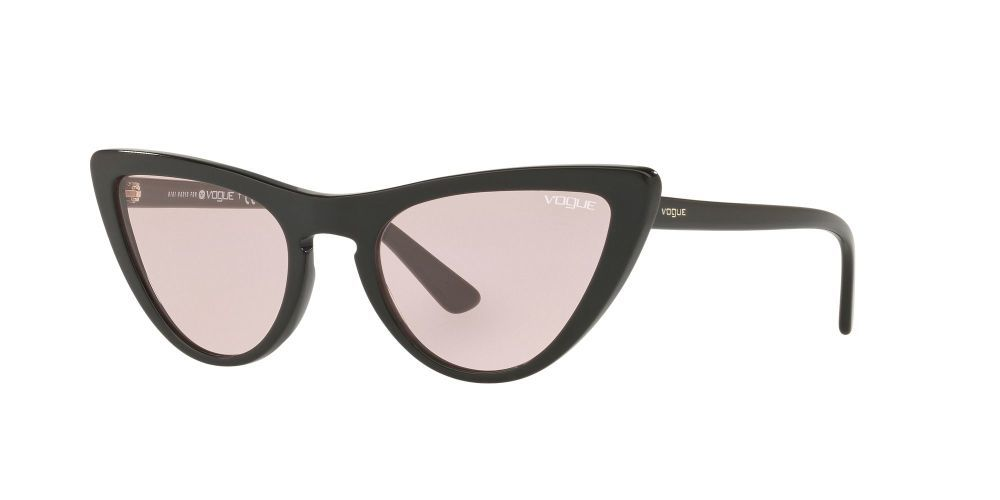 Gafas de sol Gigi for Vogue (93 euros)