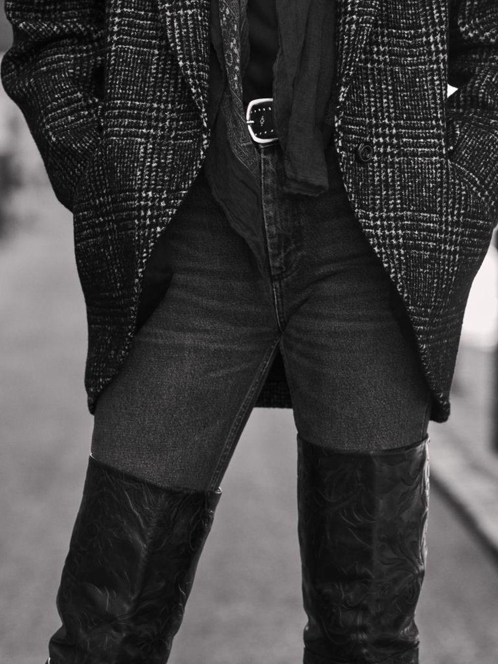 Con blazer de tweed
