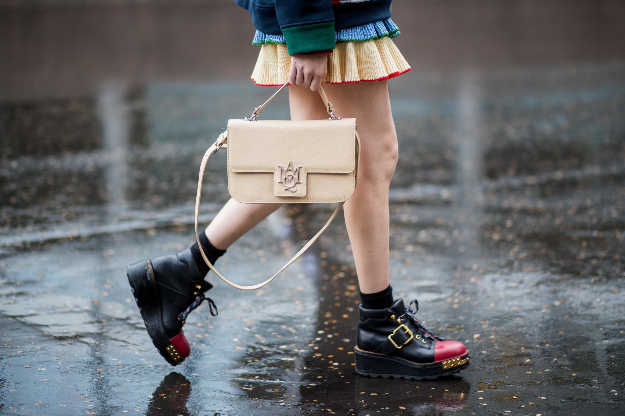 Imagen de street style durante la última semana de la moda de París.