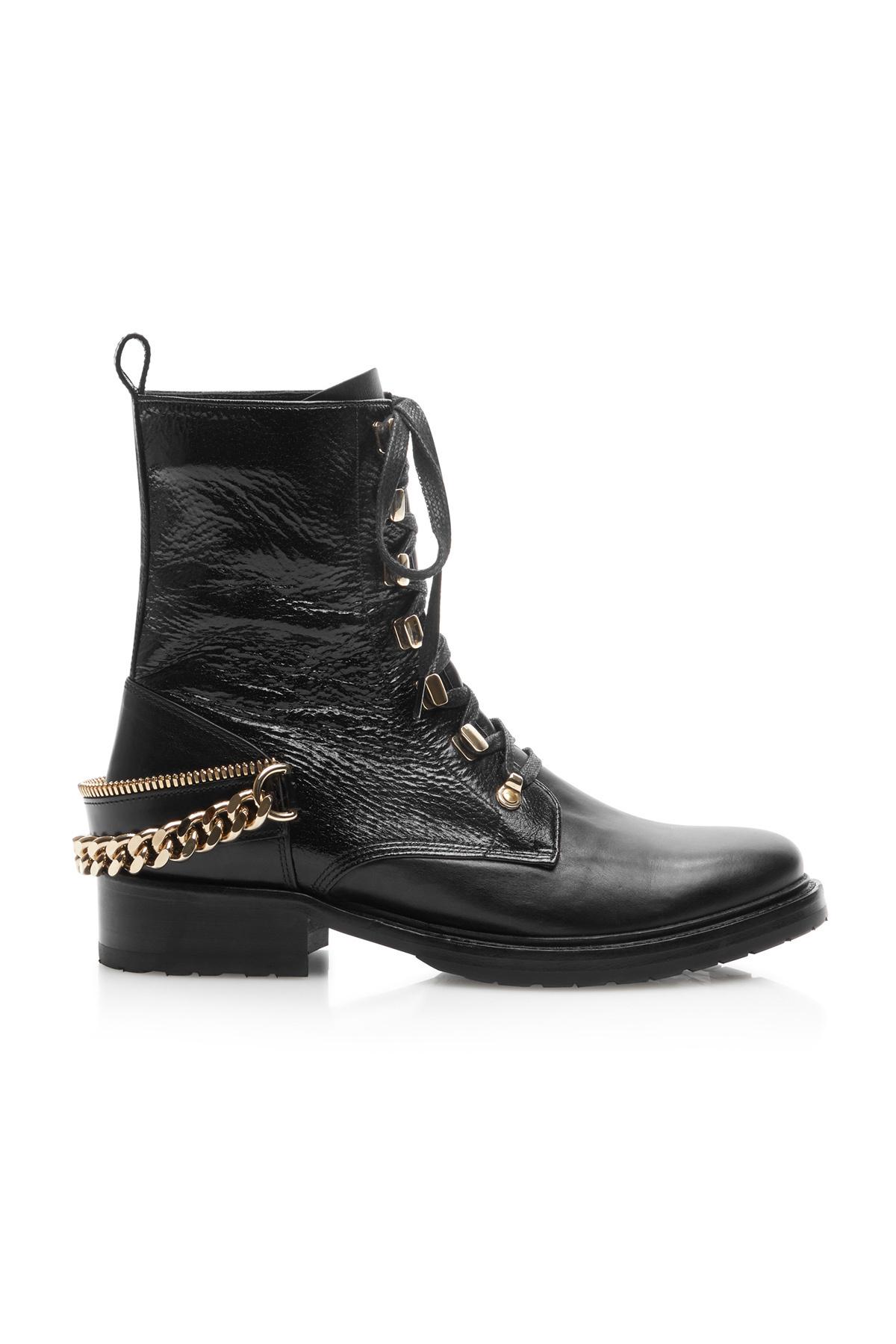Botas militares con cadenas, de Lanvin (990 euros).