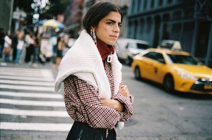 La blogger Leandra Medine protagoniza el nuevo fashion film de Mango...