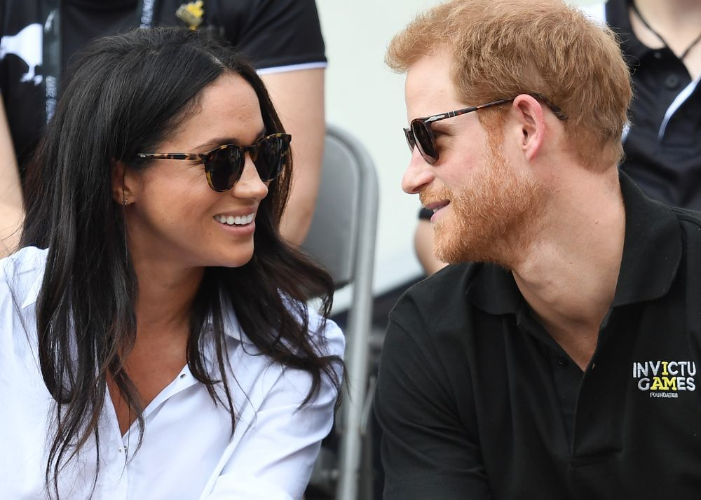 El príncipe Harry y Meghan Markle cada vez muestran menos reparo en...