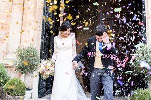Carmen y Marcos se casaron en una boda elegante y sencilla en los...