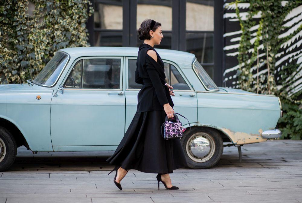 Un look lady de estilo ligeramente vintage y con accesorios que tienen...