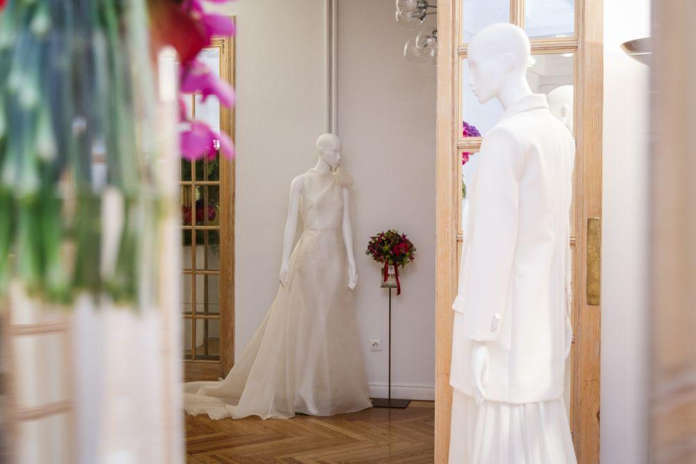 Una colección femenina, fresca y elegante, para una novia tranquila y...