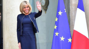 Brigitte Macron presume de una figura espléndida a sus 64 años.