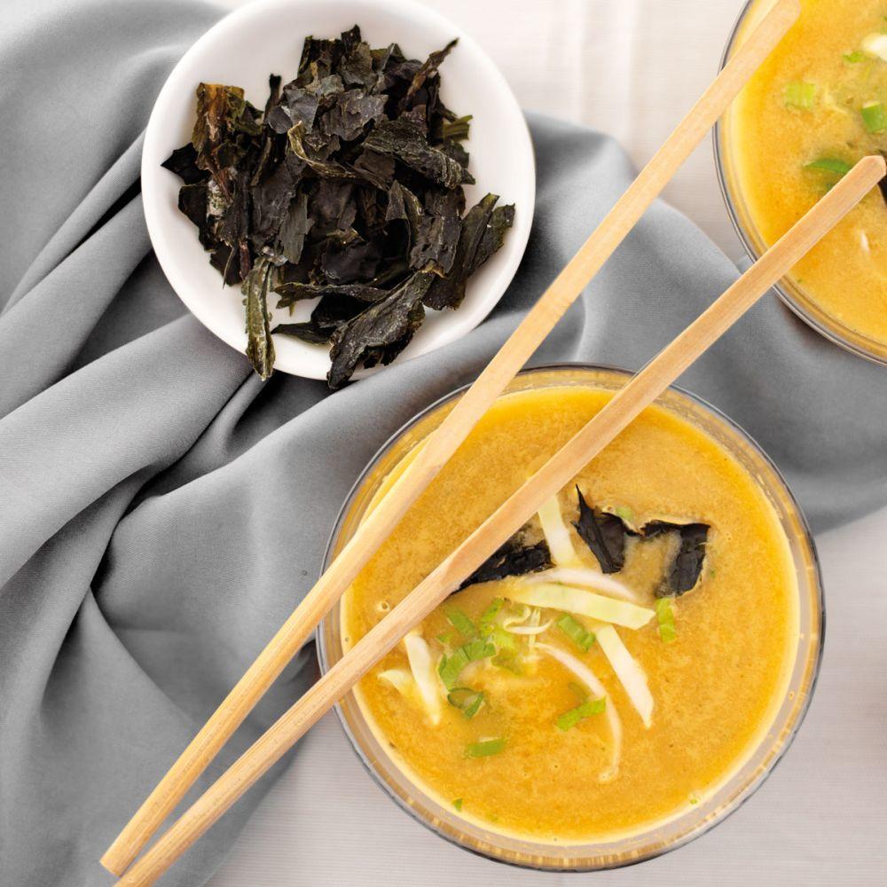Caldo de miso y wakame