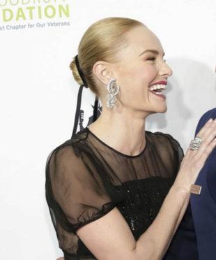 Kate Bosworth luce el cásico moño de baialrina en la gala anual...