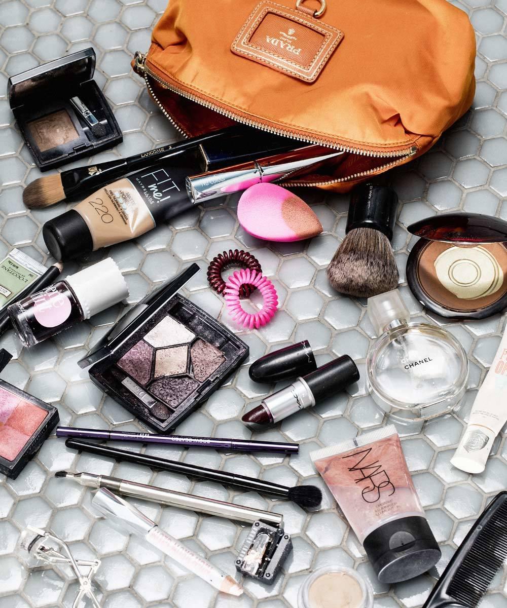 Vigila la caducidad de los cosméticos de tu neceser para prevenir...