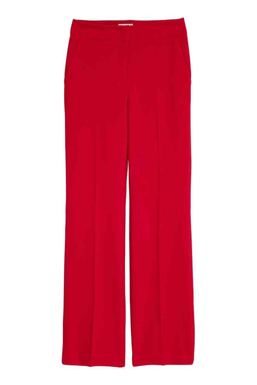 Pantalón rojo de H&M (29,99 euros)