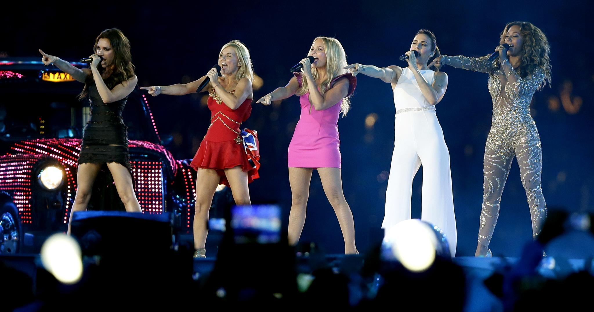 La actuación de las Spice Girls durante la ceremonia de clausura de...
