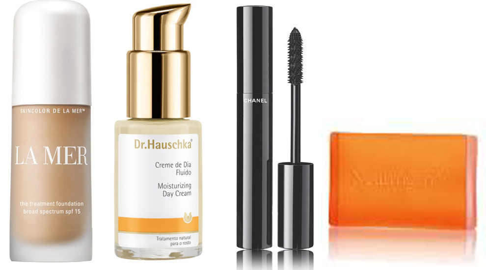 De izquierda a derecha: La Mer the Treatment Fluid Foundation, crema...