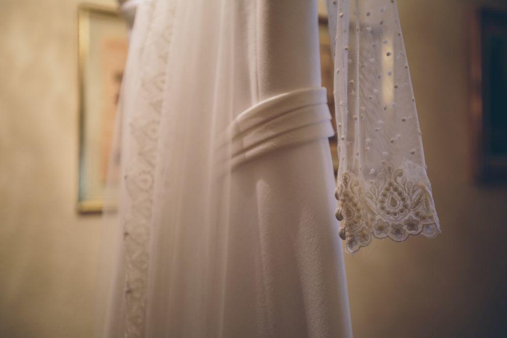 El vestido de novia es de la diseñadora Lucía de Miguel.