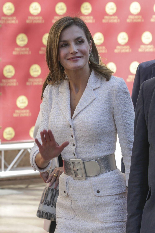 La Reina Letizia presume de un abdomen plano y firme a base de dieta...