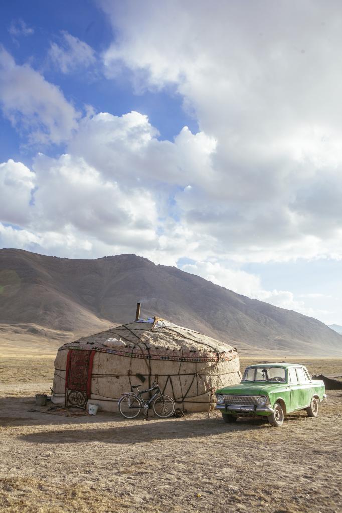 Así viven los pastores nómadas. Si extiendes tu viaje a Tayikistán,...