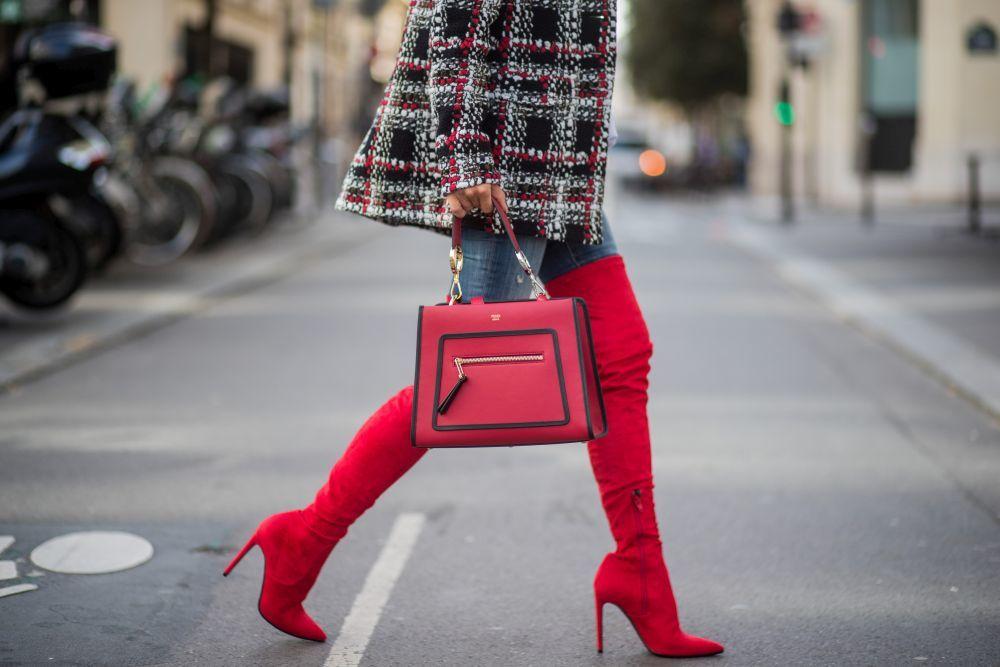 Las botas altísimas son una tendencia obligada de la temporada.