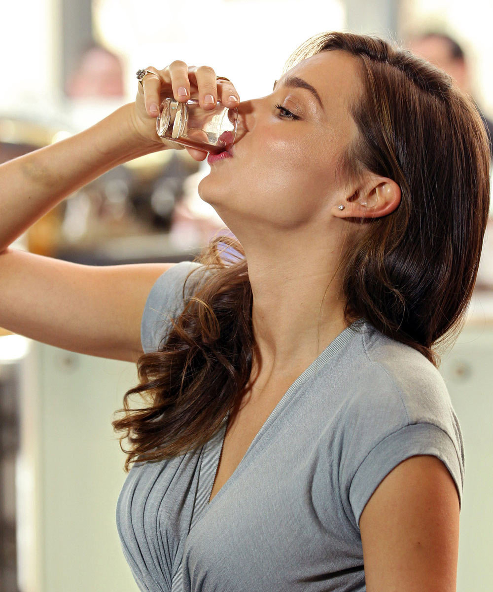 Miranda Kerr es fan del zumo de noni y de los chupitos de vinagre de...