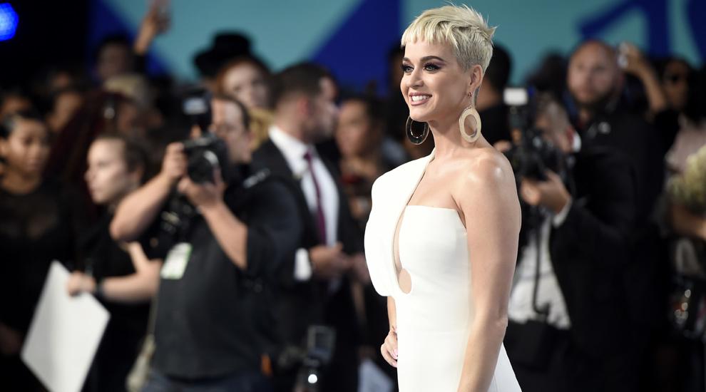 La cantante Katy Perry toma vinagre de sidra de manzana desde años,...