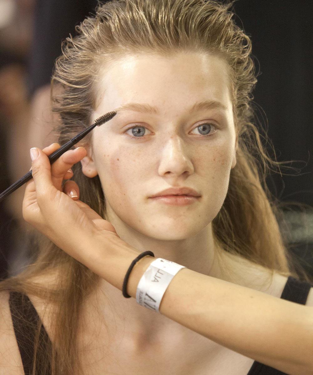 Maquillaje, cortes de pelo, mechas... ¡con Urvan tienes todos los...