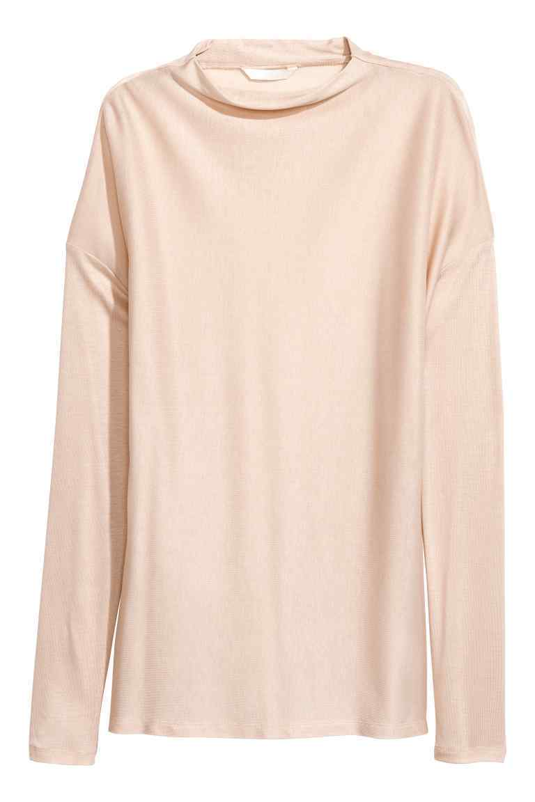 Top color crema de H&M (14,99 euros)