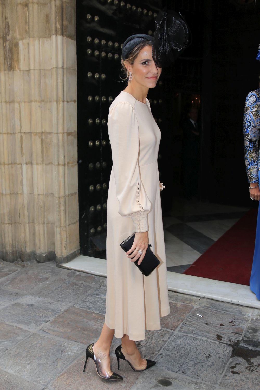 En la boda de Casilda Medina en Sevilla, con un vestido en color nude...