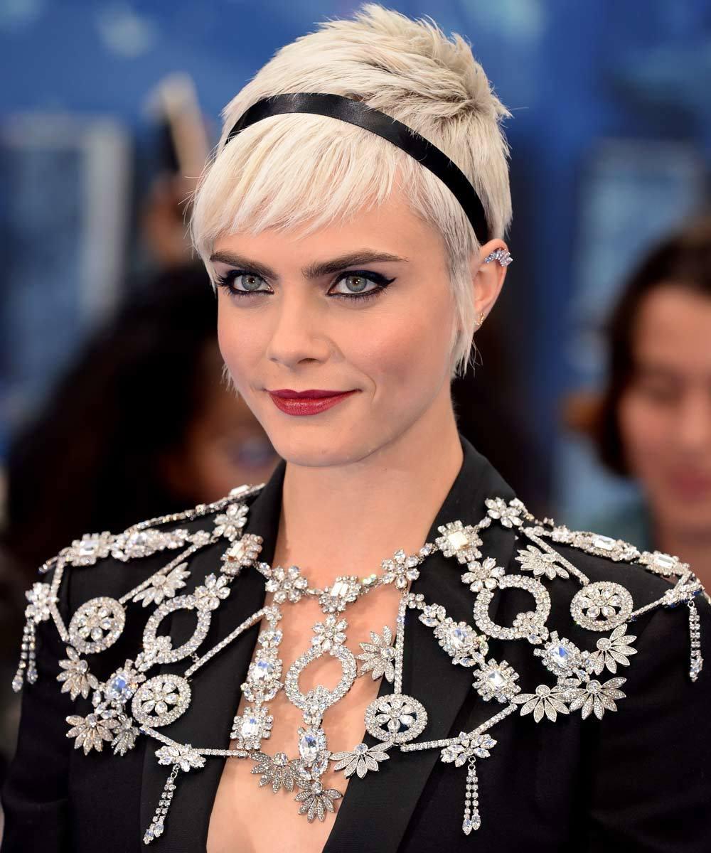 Si tienes el pelo corto o luces un pixie como el de Cara Delevingne,...