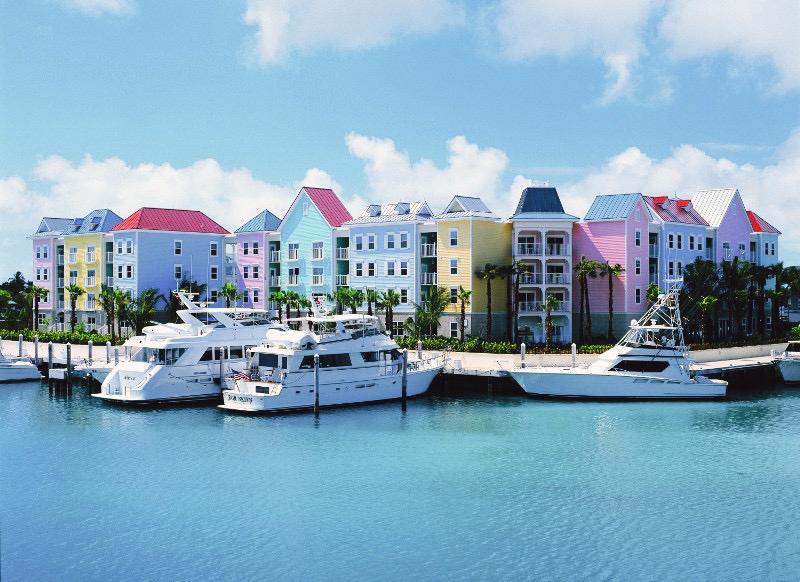 La llegada al puerto de la Isla Paraíso es un auténtico gusto...