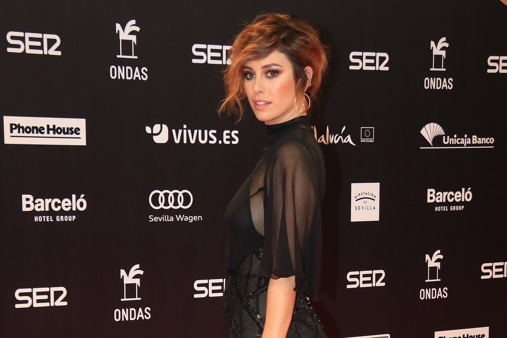 Blanca Suárez sorprende con su look en los Premios Ondas 2017.