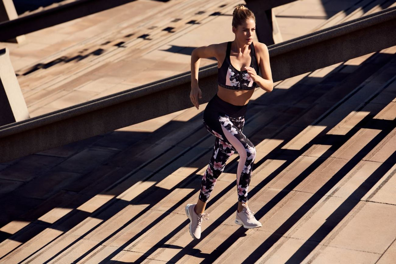 La modelo Douzten Kroes ha diseñado una línea deportiva cómoda y...