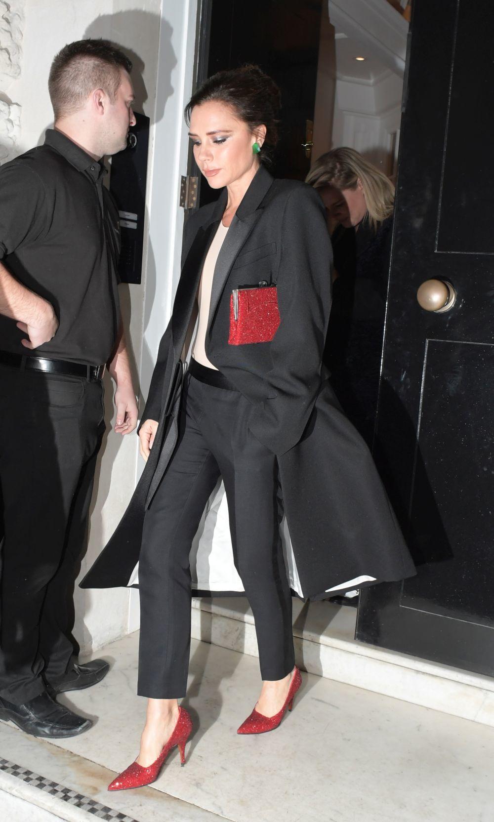 Victoria Beckham triunfa con los complementos.
